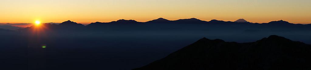 日の出~南アルプスの稜線とともに.jpg